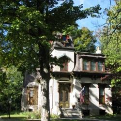 The Benton House in Irvington